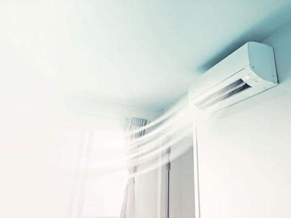 Pro e contro dell'aria condizionata durante la notte